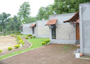 resort in kanha national park